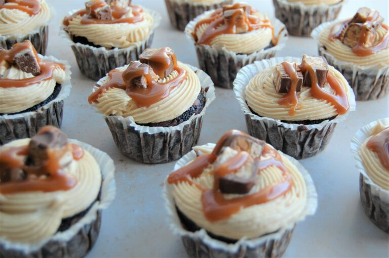 snickers cupcakes.1